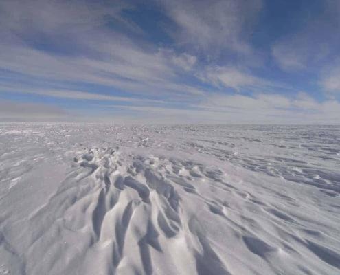 Sastrugies op de ijskap van Groenland