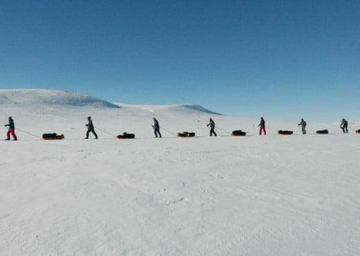 Manhauling Hardangervidda Noorwegen