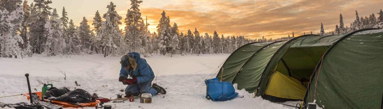 Tentenkamp in Noord Zweden in de winter