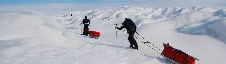 Manhauling tijdens de Groenalnd expeditie