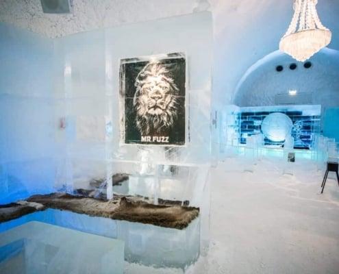 Binnenkant van een kamer in het Icehorel in Jukkasjärvi