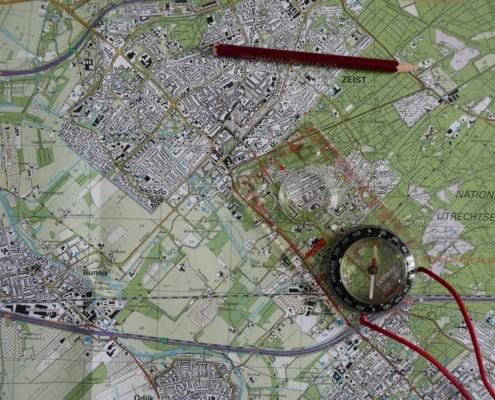 Kompas op de kaart van de Utrechtse heuvelrug