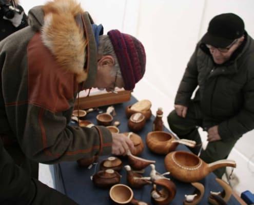 handwerk op de Sami jaarmarkt in Jokkmokk