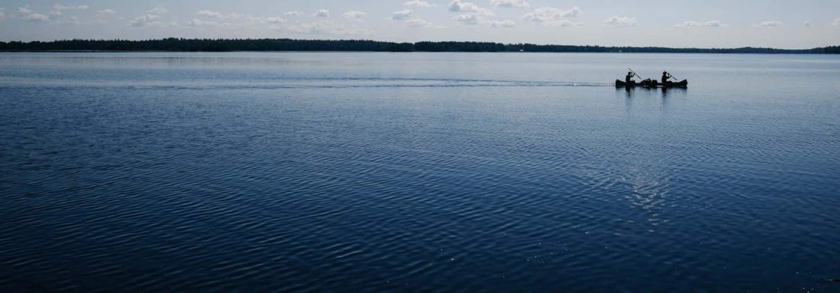 alexander hall paddling in a national park 6954 1 Last Minute Kano en wandeltocht in Zuid Zweden