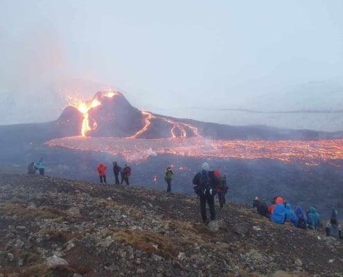 Arctic Adventure IJsland vulkaan trekking 002 DE VLOER IS LAVA TREKKING