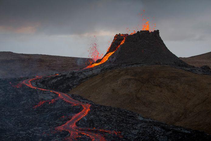 Arctic Adventure IJsland vulkaan trekking 003 DE VLOER IS LAVA TREKKING